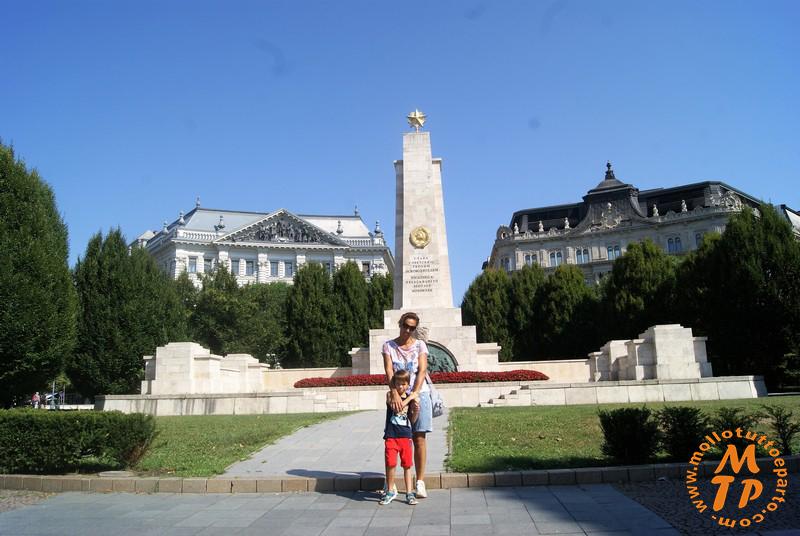 Monumento all'esercito sovietico
