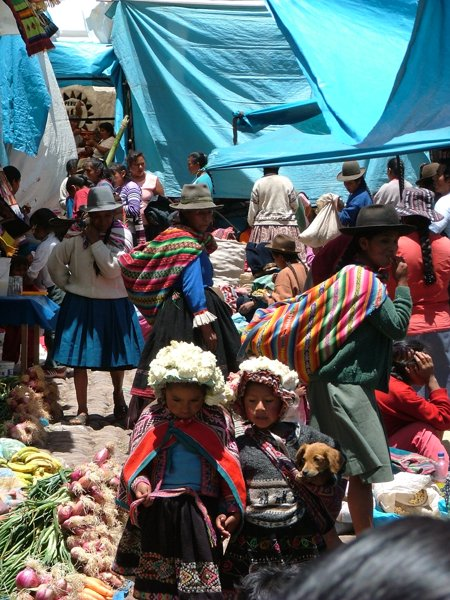 Mercato tradizionale a Pisac - Peru
