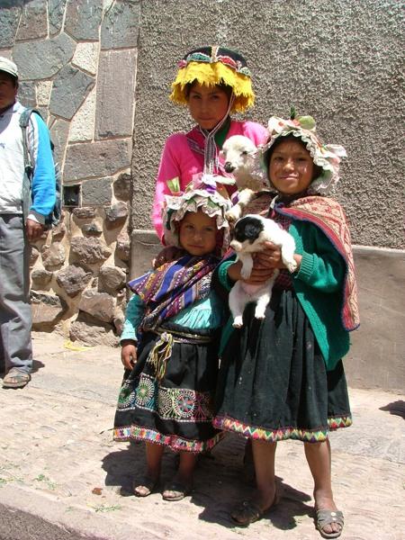 Campesinos al mercato di Pisac - Peru