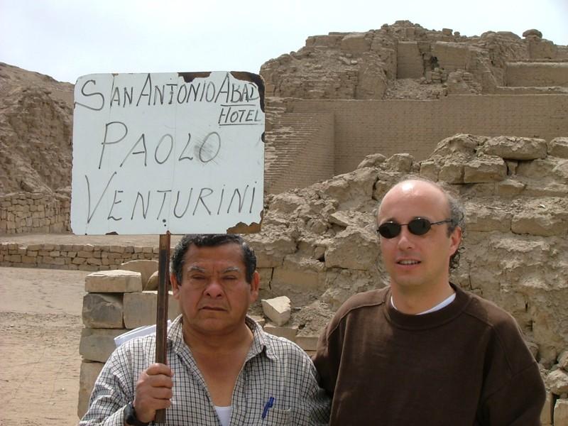 Pedro, l'autista dell'Hotel San Antonio Abad di Lima insieme a Fabio - Perù
