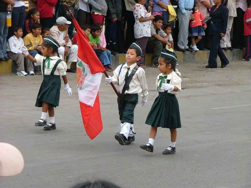 Sfilata a Pisco - Perù
