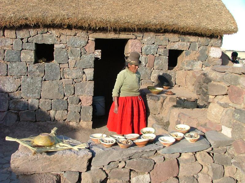 Campesina nei dintorni del Lago Titicaca